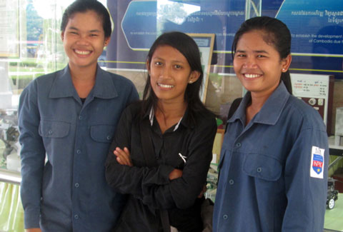 """1st Cambodian Girls to Break into the World of """"Mechatronics"""""""